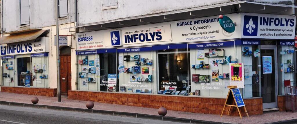 Le magasin informatique de proximité, dans une petit ville dans le gard.